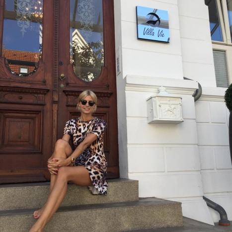 Villa Vie Ferienwohnungen auf Norderney - Lena Gercke zu Besuch